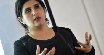La Dra. Patricia Guerrero expone en el coloquio